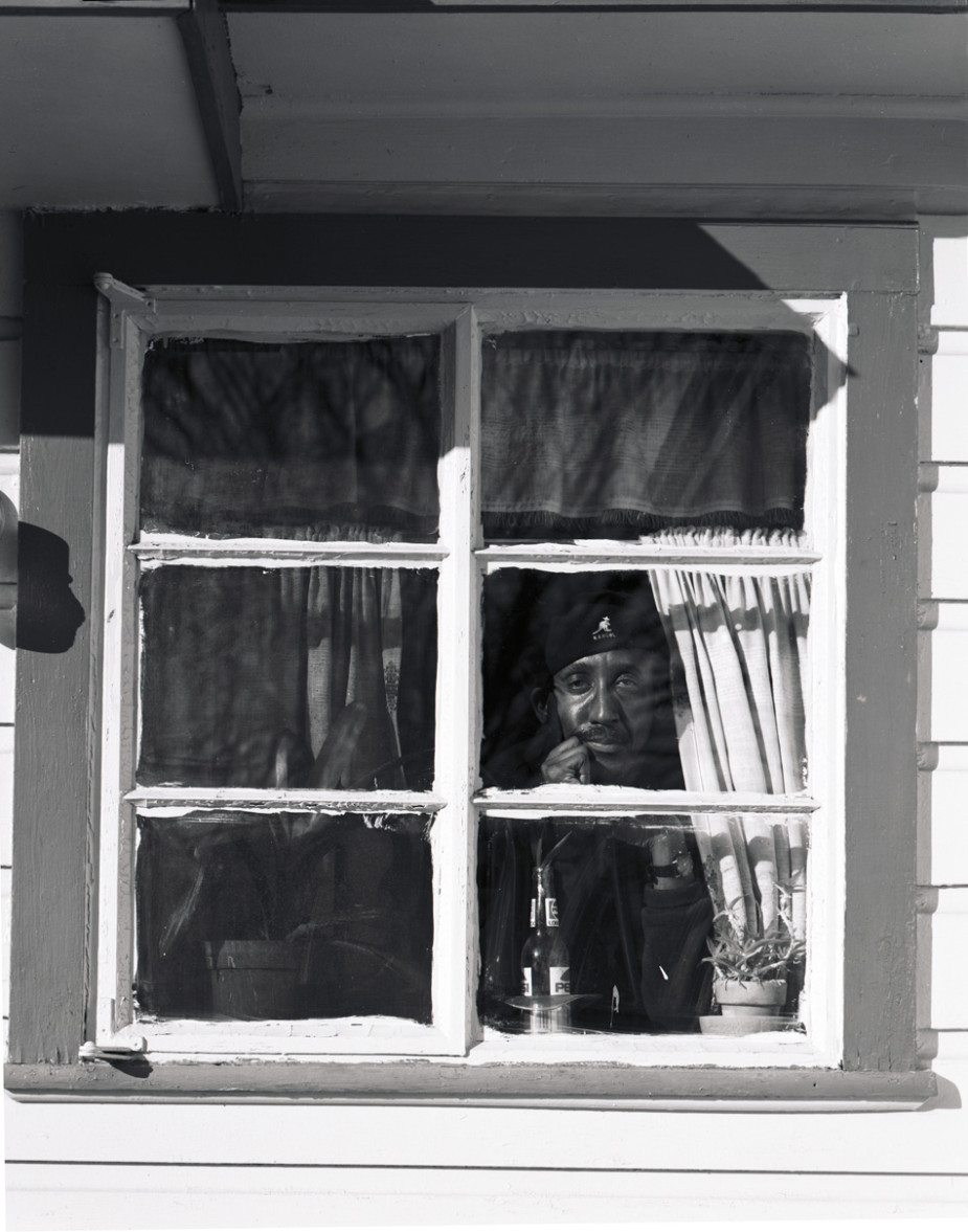 8_Carl in Window_3x4